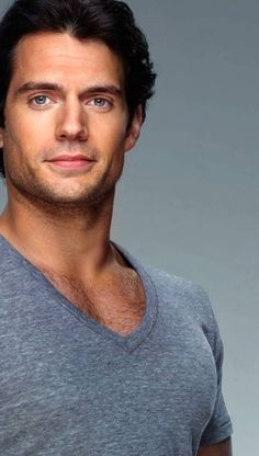 Henry Cavill- The new Superman Pretty People, Beautiful People, Henry Caville, Pose, Raining Men, Man Of Steel, Clark Kent, Attractive Men, Good Looking Men