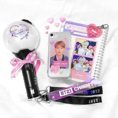 No mames quiero uno we Q~Q Bts Jimin, Mamamoo, Kpop Phone Cases, Cell Phone Covers, Bts Army Bomb, Army Room, Hologram Stickers, Aesthetic Phone Case, Army Life