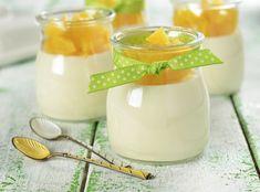 Молочное желе – это низкокалорийный, но вкуснейший десерт, который еще и быстро готовится.