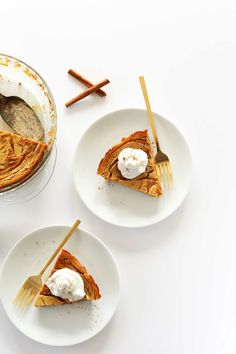 Vegan Pumpkin Swirl Cheesecake #vegan #pumpkin – via Minimalist Baker