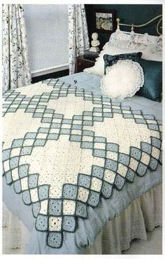 Granny square afgan blanket or throw. Full crochet pattern and instructionsLovely idea Picture onlyDiscover thousands of images about Lovely idea Crochet Bedspread, Crochet Quilt, Crochet Blocks, Crochet Squares, Crochet Home, Crochet Granny, Crochet Motifs, Afghan Crochet Patterns, Granny Square Blanket