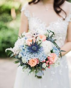 Do you marry in spring? Here's a little, sweet inspiration for a spring bouquet. Best Wedding Colors, Red Wedding Flowers, Bridal Flowers, Wedding Bouquets, Got Married, Getting Married, Artificial Bridal Bouquets, Spring Bouquet, Blue Bouquet
