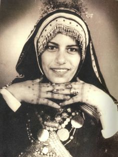 Yemenite Jewish bride, in characteristic Yemenite Jewish hood. How to Cover: A Head-Covering Blog: Yemen