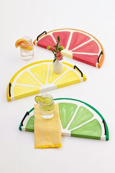 Citrus Fruit Serving Trays - an easy DIY, perfect for serving cold refreshments on a hot summer day - or anytime!