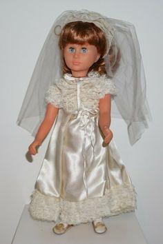 Girls Dresses, Flower Girl Dresses, Vintage Dolls, Wedding Dresses, Collection, Fashion, Antique Dolls, Moulin Rouge, Bridal Dresses