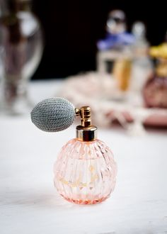Time to pick a pretty new spring perfume! Read this guide before you go shopping. | Design Mom