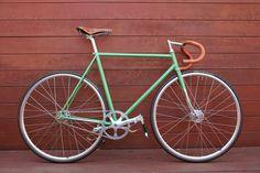 bisikleta: @Orange20 L.A. (by KINFOLK STUDIOS)