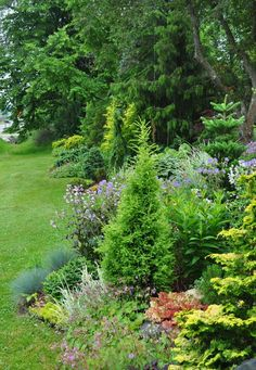 Three Dogs in a Garden: Garden Canadensis: this is one garden you'll want to see! #GardenBorders