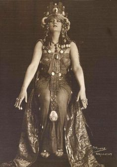 - Lily Brayton as Cleopatra via State Library of Victoria