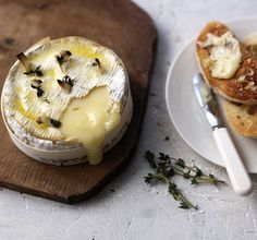 Baked camembert with garlic bread - so quick, so easy and so delicious, this is the perfect recipe with which to spoil loved ones
