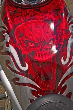 Motorcycle airbrush art- I don't like skulls but the design is really cool!