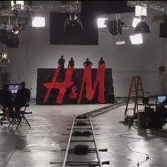 Avec «Breakup», H&M dévoile une vidéo sur le recyclage de nos vieux vêtements