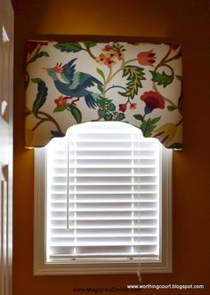 Windows 23 Amazing DIY Window Treatments That Will Make Your Home Cozy. Very good tutorial for cornice Window Cornices, Window Coverings, Drapes Curtains, Gypsy Curtains, Drapery, Neutral Curtains, Fabric Blinds, Custom Window Treatments, Window Dressings