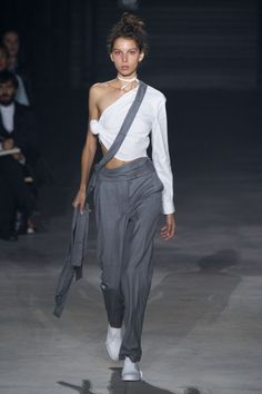 Jacquemus | Spring 2016 | Look 35 | Curated by @sommerswim