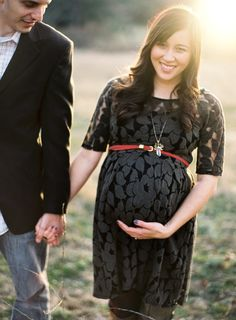 Love and Splendor – Official Blog» Blog Archive » {expecting} Maternity Photos by Jose Villa  Love the dress