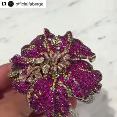 Feast your eyes with Fabergé Hibiscus cuff. The collection by the legendary Frederic Zaavy echoes the cultural richness of the heart of Faberge's genius. @officialfaberge  #Fabergé #hautejoaillerie #hibiscuscuff #fredericzaavy #savoirfaire #oneofakind #jewelleryblogger #preciousstones #london #baselworld #doha #bahrain #realmofjewellery