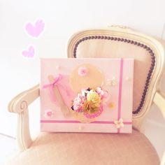 お母さんありがとう 今年はとびきり甘くかわいいアレンジメント() #minne #ミンネ #母の日プレゼント #pink #花のある暮らし #花#flower#カップケーキ #アレンジメント by conoka71