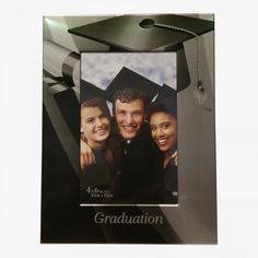 """Cadre Photo Graduation pour photo 4"""" x 6"""" (10 x 15cm), Cadre en Métal couleur Argent  & Noir Dimension : 8.25 X 6.25 X .5 Graduation, Photos, Polaroid Film, Cadre Photo, Silver Color, Black People, Pictures, Moving On, College Graduation"""