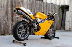 BRS Photoblog 17-2015 Sportbikes, superbikes, classics, custom motorcycles and caferacers!