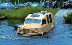 Briton Nick Topping built the Amphibus from 1994, using a steel hull, a Ford Transit diesel engine and a Land Rover gearbox. It was capable of 70mph/six knots.