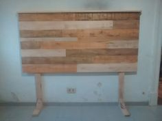 bed back in recycled wood with legs - woodes