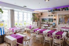 Na palubě / restaurace & penzion Foodies, Vanity, Mirror, Furniture, Home Decor, Vanity Area, Homemade Home Decor, Lowboy, Dressing Tables