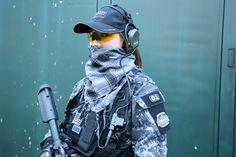 サバゲー,サバイバルゲーム,服装,ファッション,装備,格好,写真,女子,ヘッドセット,Z Tactical,BDU,TRU-SPEC,帽子,5.11 Tactical,ストール,ROTHCO,サングラス,ESS ICE