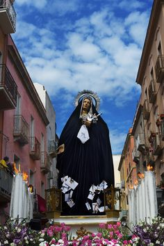 The Passion of the Christ: Sicilians in Jonny Seymour's project — English photographer Jonny Seymour shoots the Mysteries of Trapani — a Sicilian religious tradition, one of the oldest continuously running religious events in Europe. Trapani Sicily, Sicily Italy, Notting Hill Carnival, Western World, Holy Week, Documentary Photography, Photography Projects, Sicilian, Roman Catholic