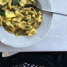 Ho detto plin! 😋 Trattoria Schiavenza. #whatitalyis #onthetable #food #langhe #igers_langhe #instalallegra #ig_piemonte #browsingitaly #ig_italy #igersitalia #tv_lifestyle #tv_pointofview #tv_simplicity #tv_living #jj_emotional #foodporn #alba #foodpic #serralunga #ilbellodellitalia #foodporn #tv_hiddenbeauty