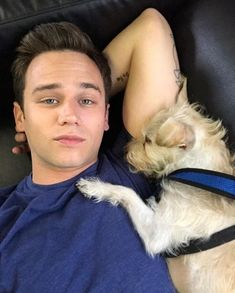 Brandon Flynn and his pooch 13 Reasons Why Netflix, Thirteen Reasons Why, Insatiable Netflix, Brandon Flynn 13 Reasons Why, Mark Foster, Justin Foley, Nick Robinson, Man And Dog, Best Friend Pictures