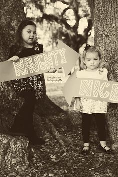 Cute Sibling pose. Omg this is the perfect pose for my nieces. Family Christmas Pictures, Xmas Photos, Xmas Pictures, Family Christmas Photos, Christmas Photo Cards, Sibling Poses, Siblings, Mini Sessions, Holiday Photography