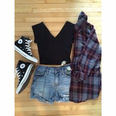 I so love chuck taylor! Cute Fashion, Look Fashion, Teen Fashion, Fashion Outfits, Womens Fashion, Cool Outfits, Casual Outfits, Outfits With Converse, Black Converse