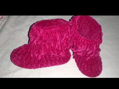 Crochet Poncho Patterns, Fisher Price, Sewing, Boots, Silk, Amigurumi, Socks, Tricot, Dressmaking
