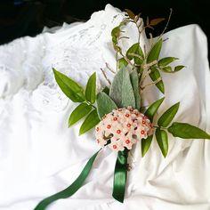 Floral detail  by a pajarita #floraldetails #weddingdetails #detail #wedding #perfectday #weddingday #flower #apajarita