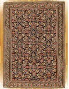 "Senneh kilim,Kurdistan,North West Persia,circa 1880, 6'.7""x4'.9"" (201x145 cm)."