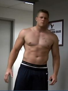 JJ Watt shirtless AKA what perfection looks like. Original Caption: Because no board dedicated to a hot guy is complete without a shirtless pic! Also, squee! Houston Texans Football, Football Players, Pittsburgh Steelers, Dallas Cowboys, Football Season, Jj Watt Shirtless, Bulls On Parade, Justin James, Beefy Men