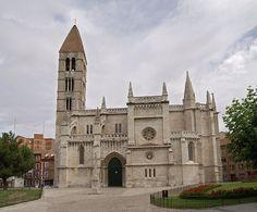 Iglesia Santa María de la Antigua, en Valladolid (Spain)