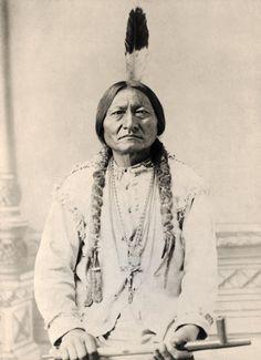 Afbeelding [ID: 20080701 ]  American Photographer - Sitting Bull (b/w photo)