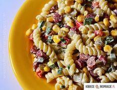 Kolorowa sałatka z kabanosem i makaronem - Kobieceinspiracje.pl Pasta Salad, Salads, Ethnic Recipes, Food, Crab Pasta Salad, Essen, Meals, Yemek, Salad