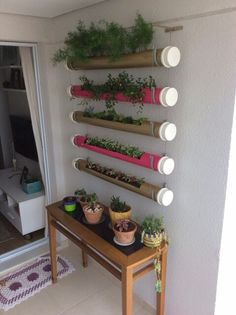 37 Ideas For Hanging Succulent Garden Porches Diy Herb Garden, Garden Crafts, Garden Projects, Small Balcony Decor, Small Balcony Garden, Hanging Succulents, Succulents Garden, House Plants Decor, Plant Decor