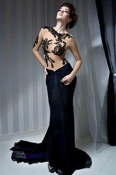 Pentru a proba si comanda aceasta rochie de seara programati-va in Atelierul Bien Savvy din Popa Soare 26, telefon 0766 635 060!