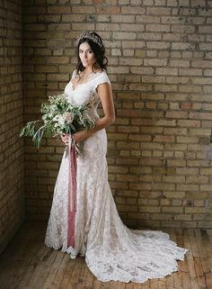 Photography: Golden Veil Photography - www.goldenveilphotography.com  Read More: http://www.stylemepretty.com/2015/05/09/simple-romantic-boudoir-bridal-looks/