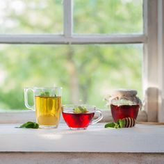Sun Tea Recipes, Drink Recipes, Summer Recipes, Real Food Recipes, Peppermint Leaves, Peppermint Tea, Fresh Lemon Juice, Fresh Fruit, Mother Earth News