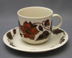 Tuotteet | Astiataivas.fi - Vanhojen astioiden ystävien löytöpaikka Tea Cups, Coffee Cups, Kitchenware, Tableware, Bukowski, Finland, Vintage Designs, Childhood, Ceramics