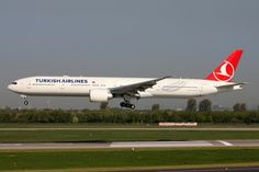 RWY24R - Aviation blog - Daily news and images Turkish Airlines Boeing 777-300 landing at Dusseldorf Airport