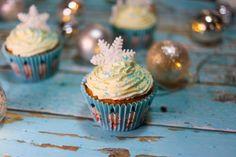 A répatorta nekem valahogy a karácsonyhoz kötődik. A fahéj, szerecsendió és gyömbér fűszerek teszik ellenállhatatlanná ezt a süteményt. Christmas Cupcakes, Christmas Crafts, Muffin, Sweet, Advent, Food, Christmas Biscuits, Candy, Essen