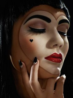 love this, halloween make-up, pretty doll makeup for Halloween, heart face makeup.I wanna do this on Halloween. For a queen of hearts Cool Halloween Makeup, Scary Makeup, Halloween 2014, Mime Makeup, Halloween Queen, Halloween Ideas, Pretty Halloween, Awesome Makeup, Halloween Costumes