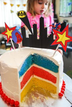 Easy no fondant super hero birthday cake idea for a super hero birthday party #birthdaycakes