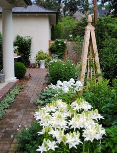 Obelisks in the garden...Love!!!