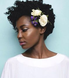 flower afro bridal natural hairstyle for wedding Cabello Afro Natural, Pelo Natural, Natural Curls, Natural Hair Care, Natural Hair Styles, Natural Makeup, Natural Hair Wedding, Short Wedding Hair, African Hairstyles